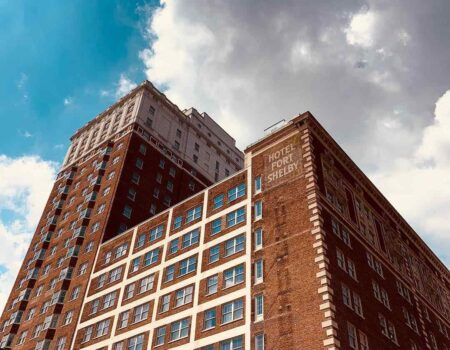 DoubleTree Suites by Hilton Detroit Downtown – Fort Shelby