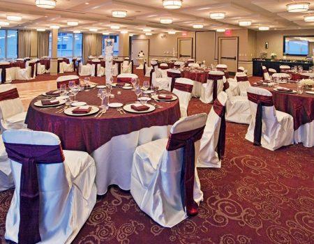 Holiday Inn Hotel & Suites an IHG Hotel