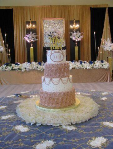Cakes by Creme de la Creme